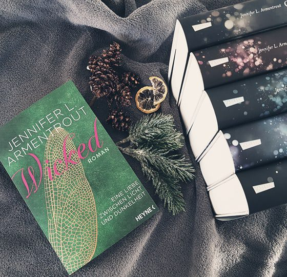 Jennifer L. Armentrout – Wicked.