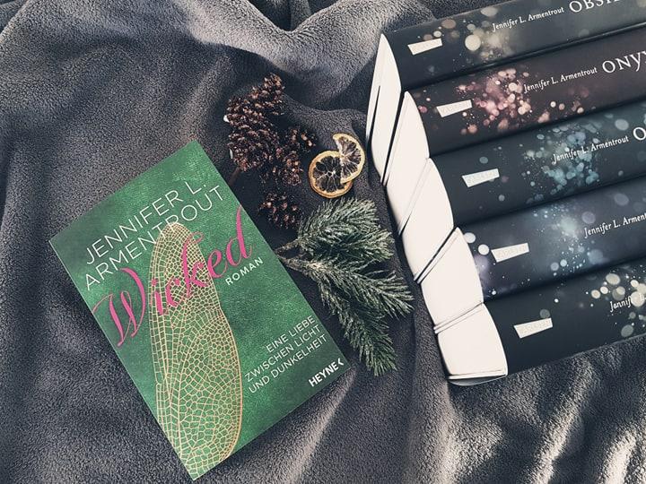 Jennifer L. Armentrout – Wicked.